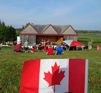 Fête du Canada - lundi le 1 juillet 16h30 à 18h30.  Entrée gratuite. Gâteau, ballons, musique.  BBQ à un frais.